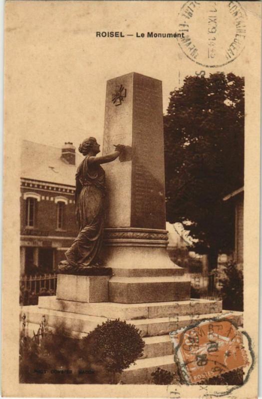 Carte postale ancienne Roisel Monument à Roisel