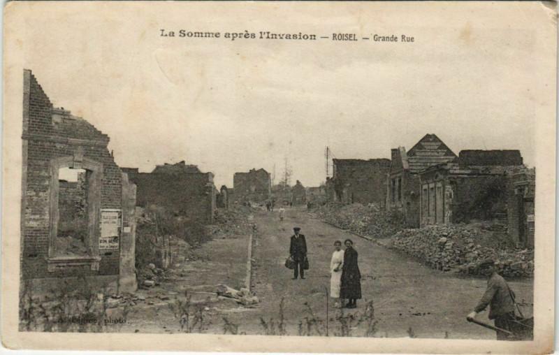 Carte postale ancienne Guerre Military Roisel Grande Rue à Roisel
