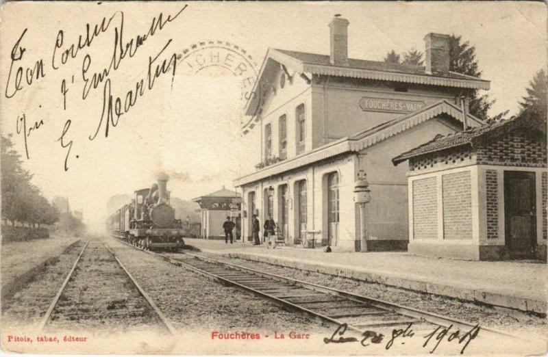 Carte postale ancienne Foucheres La Gare Locomotive à Fouchères