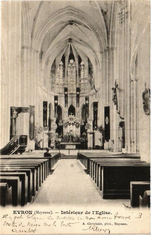 Carte postale ancienne Evron-Intérieur de l'Eglise à Évron