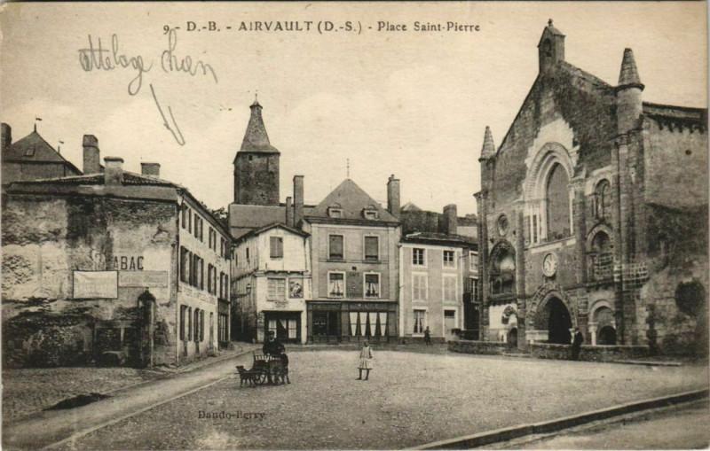 Carte postale ancienne Airvault Place Saint-Pierre Eglise à Airvault