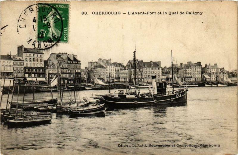Carte postale ancienne Cherbourg - Avant Port et le Quai de Caligny Ships à Cherbourg-en-Cotentin