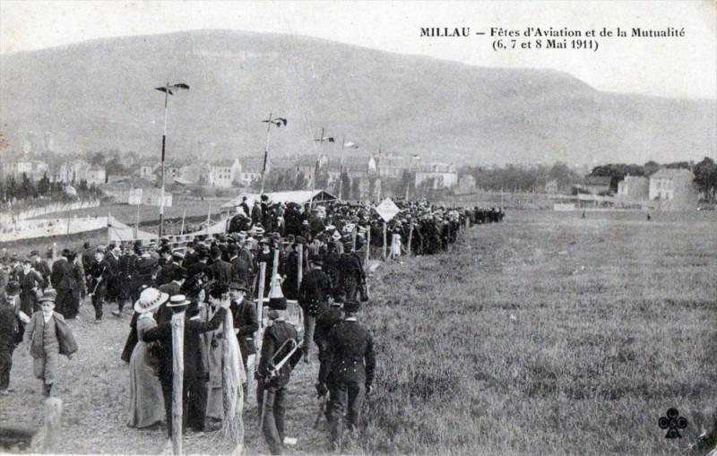 Carte postale ancienne 12 Millau Fetes D'Aviation Et De La Mutualite 6,7 Et 8 Mai 1911 (Belle Anima