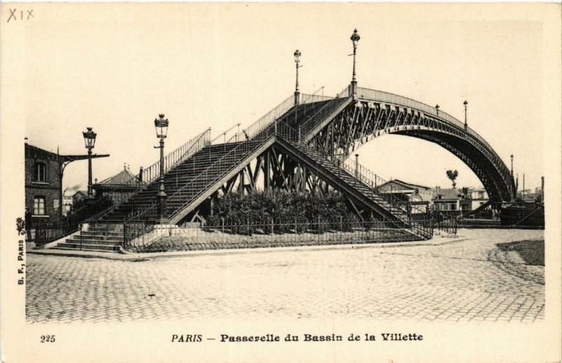 Carte postale ancienne Passerelle du Bassin de la Villette à Paris 19e