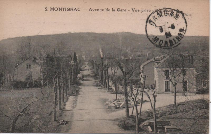 Carte postale ancienne Avenue de la Gare - Vue prise de Messad à Montignac