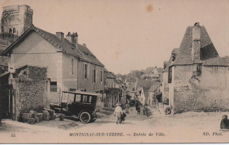 Carte postale ancienne Montignac-sur-Vézère - Entrée de Ville à Montignac