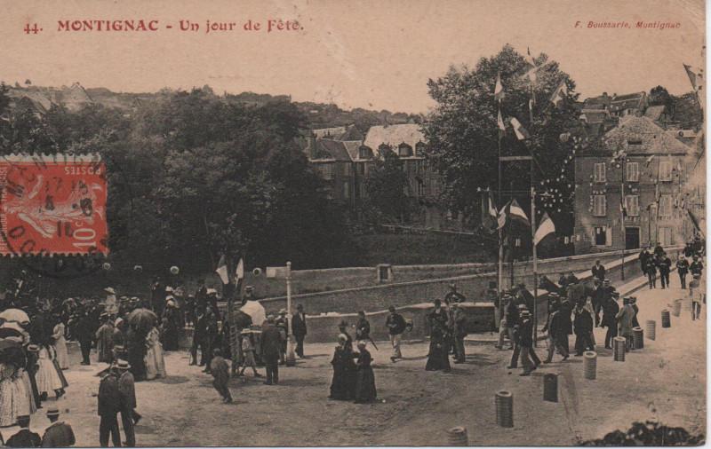 Carte postale ancienne Un jour de Fête à Montignac