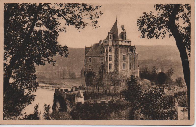 Carte postale ancienne Château de Montfort et la Dordogne à Vitrac